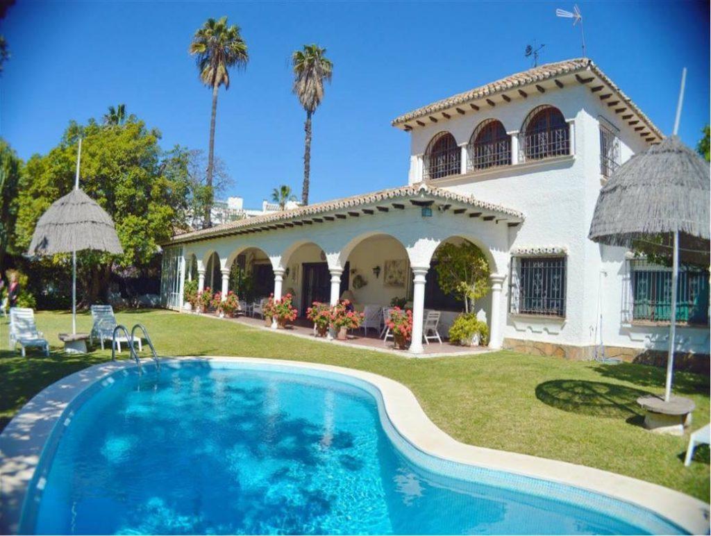wonderful spanish villa in Marbella center