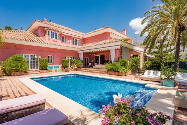 luxury villa Las Lomas Del Marbella Club